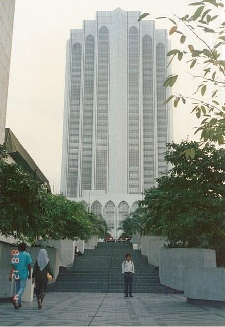 ダヤブミ 当時はペトロナスタワーはまだなかったので、これが一番高い建物でした