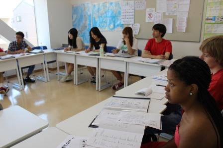 赤門会日本語学校の授業